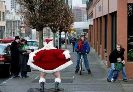santa claus flashes people